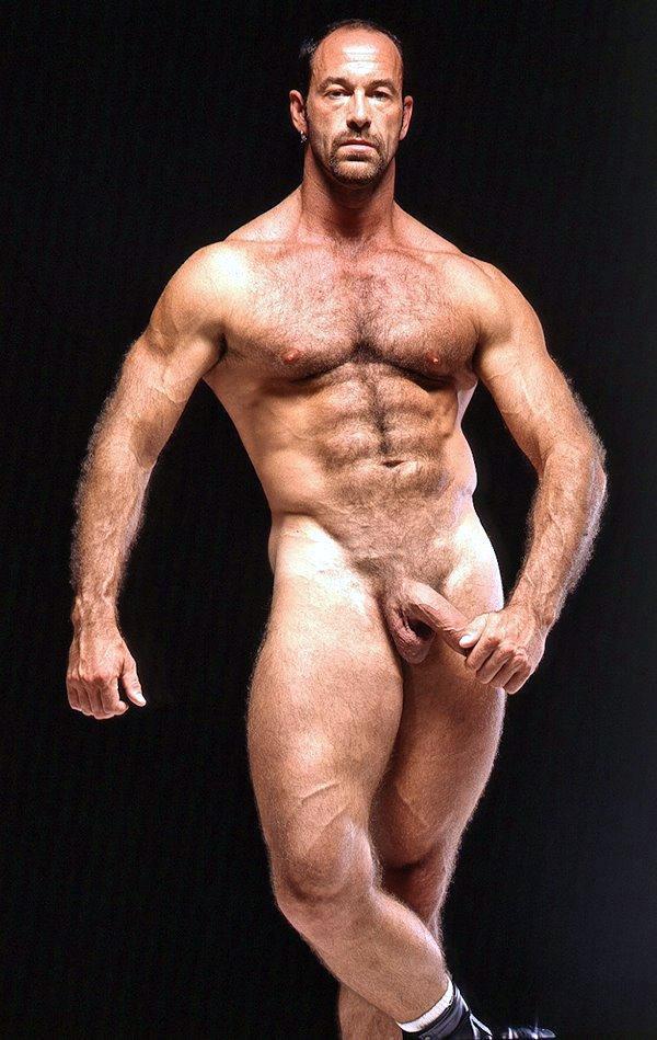 striptiz-muzhchini-golie